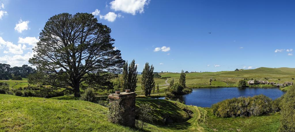 hobbiton movie set4 Hobbiton Movie Set in Matamata, North Island of New Zealand