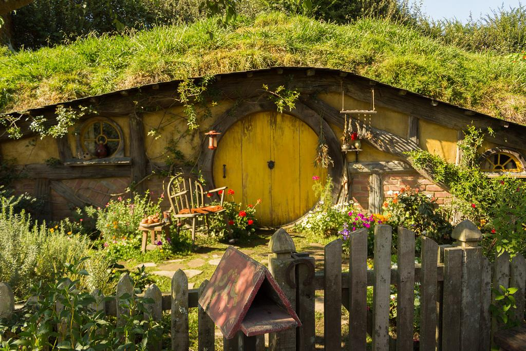 hobbiton movie set9 Hobbiton Movie Set in Matamata, North Island of New Zealand