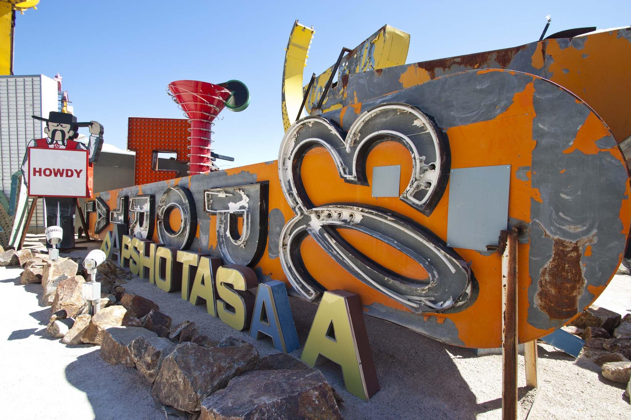 neon boneyard6 Las Vegas Neon Boneyard