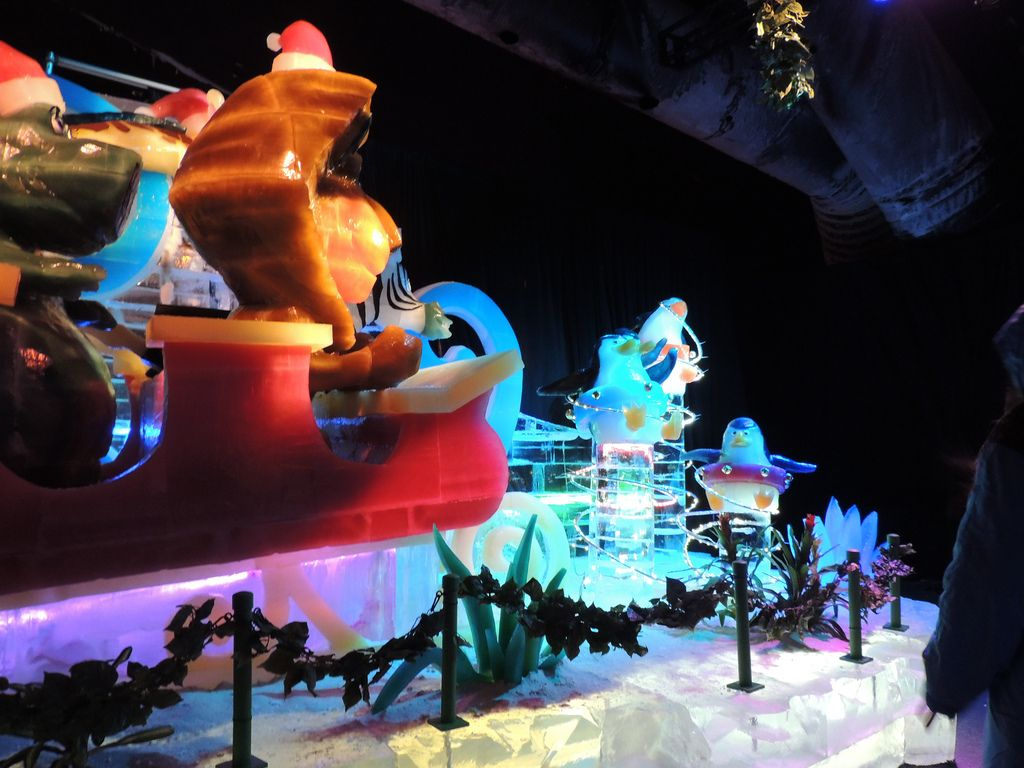 gaylord palms ice13 Madagascar Ice Sculptures Coolest Exhibit in Orlando