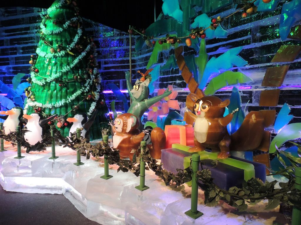 gaylord palms ice5 Madagascar Ice Sculptures Coolest Exhibit in Orlando