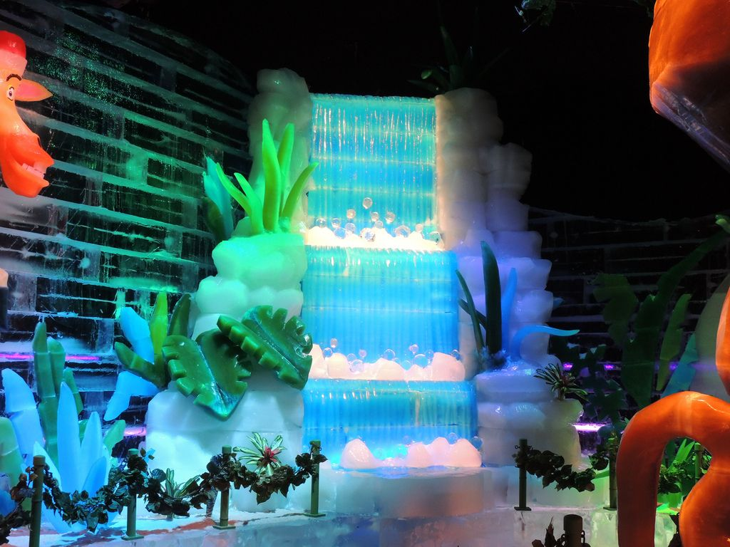 gaylord palms ice8 Madagascar Ice Sculptures Coolest Exhibit in Orlando