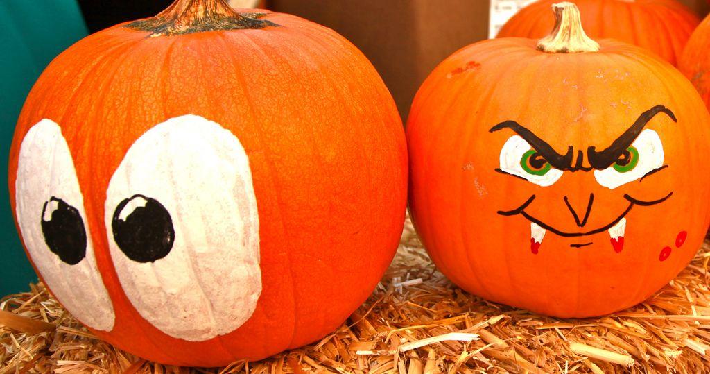 halloween pumpkin5 Painted Halloween Pumpkins   Paint your Design