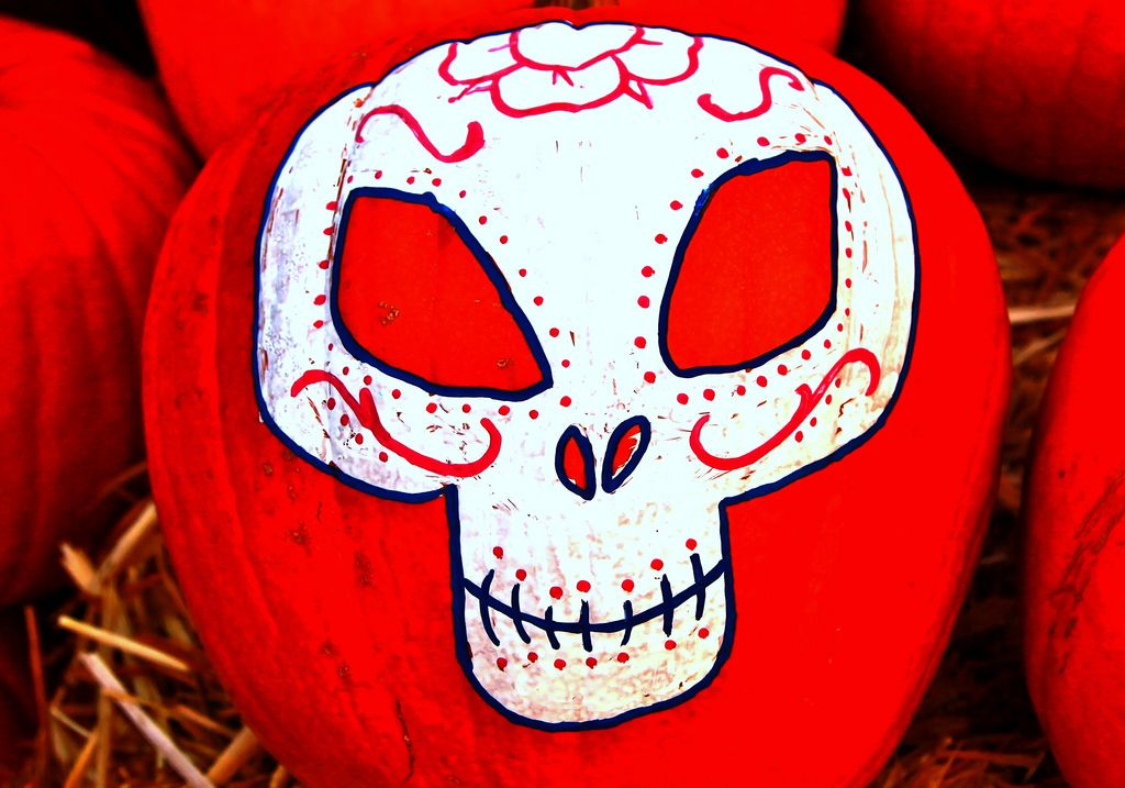 halloween pumpkin7 Painted Halloween Pumpkins   Paint your Design