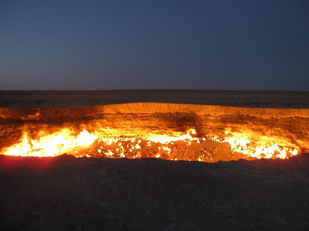 darvaza3 The Door to Hell in Darvaza aka Gas Crater