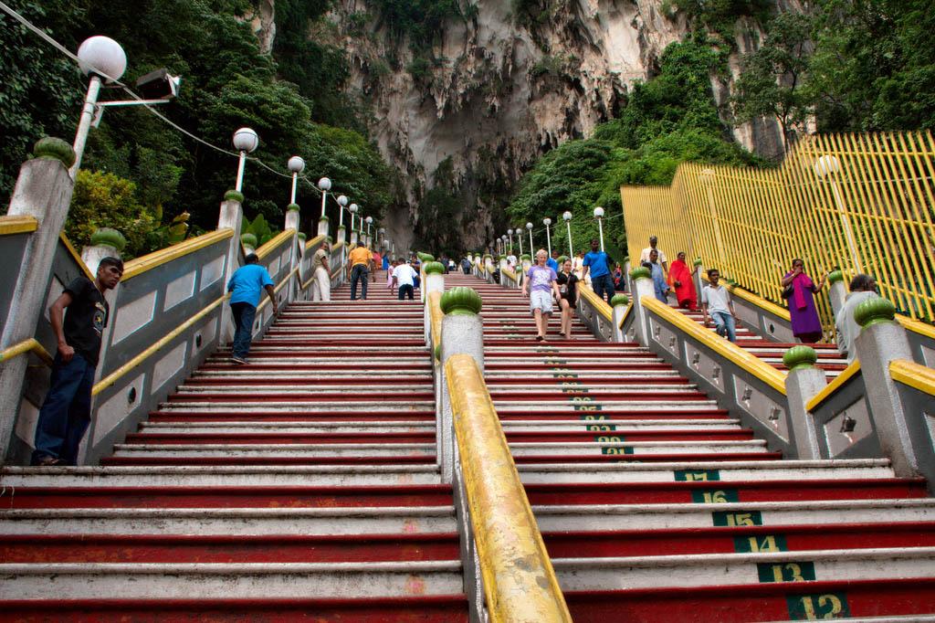 batu caves3 The Magnificent Batu Caves in Kuala Lumpur, Malaysia