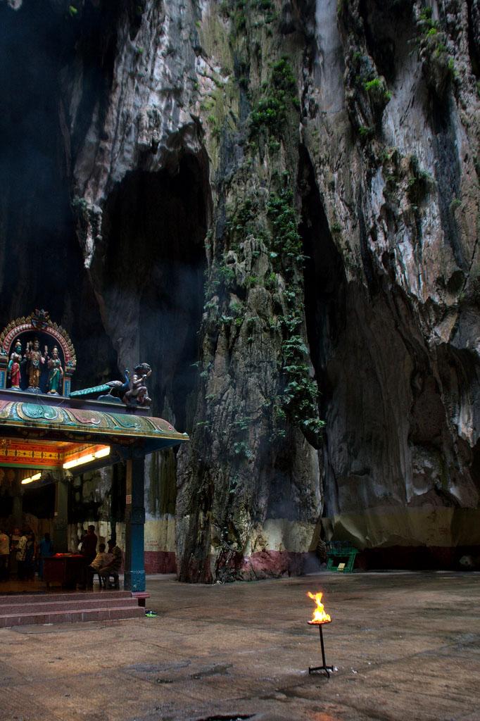 batu caves9 The Magnificent Batu Caves in Kuala Lumpur, Malaysia