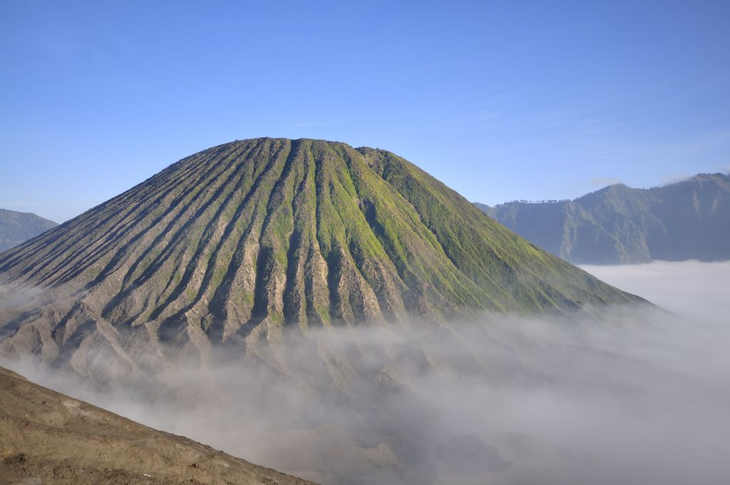 mount bromo3 The Magnificent Mount Bromo Volcano