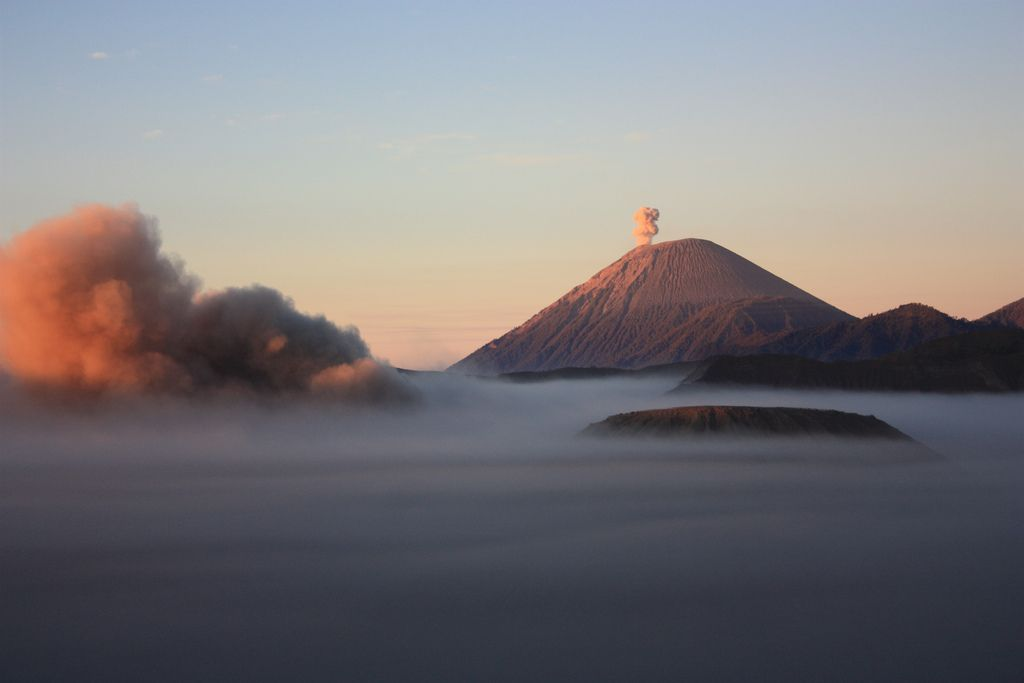 mount bromo7 The Magnificent Mount Bromo Volcano