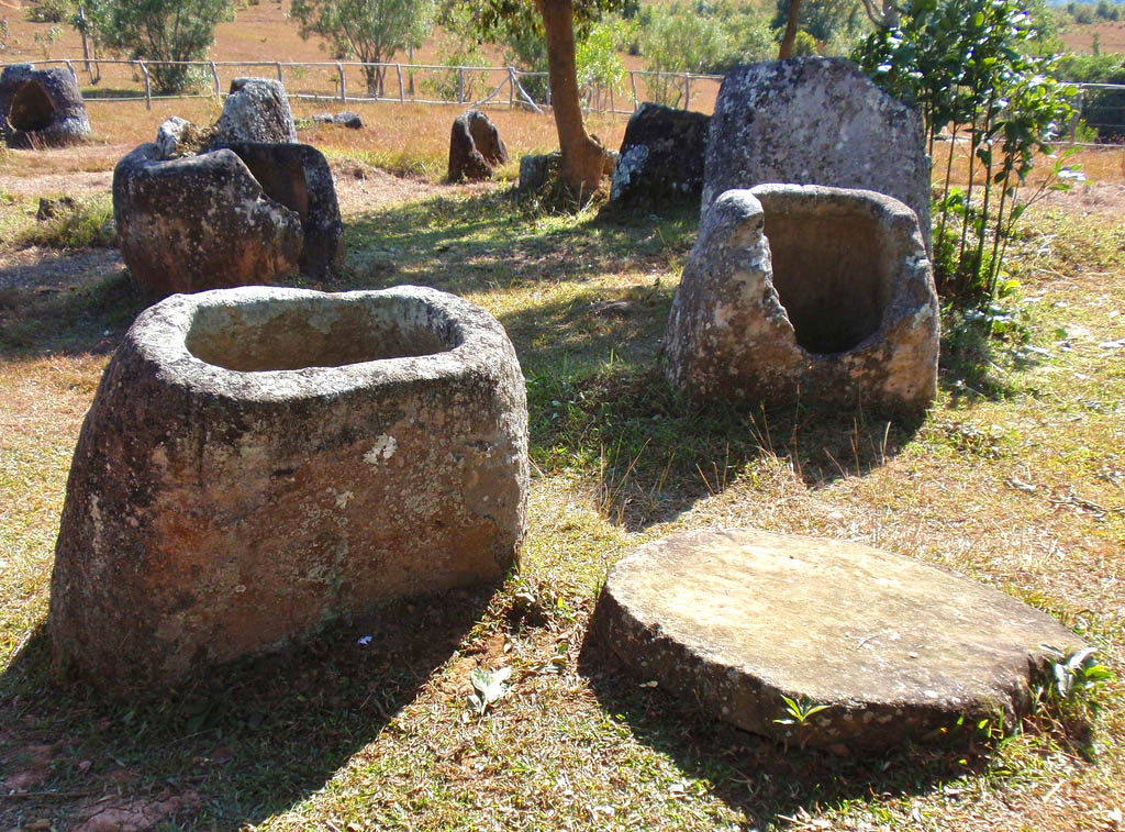 plain jars11 Mysterious Plain of Jars in Laos