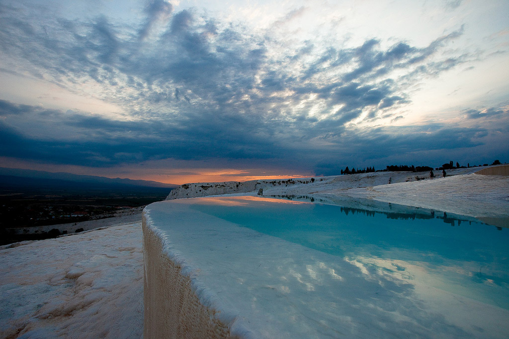 pamukkale2 Sunset in Pamukkale Travertine Terraces, Turkey