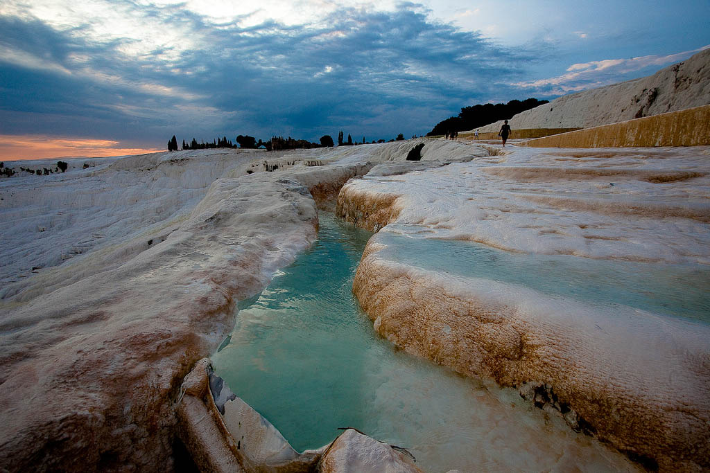 pamukkale3 Sunset in Pamukkale Travertine Terraces, Turkey