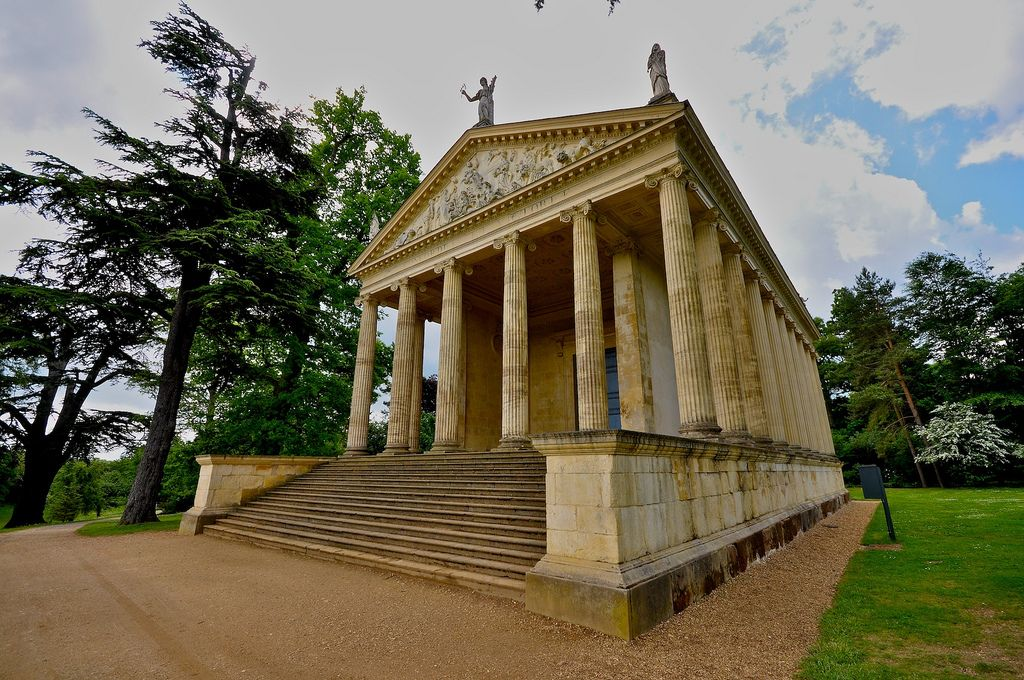 gardens stowe2 The Temple of Concord and Victory at Stowe Park
