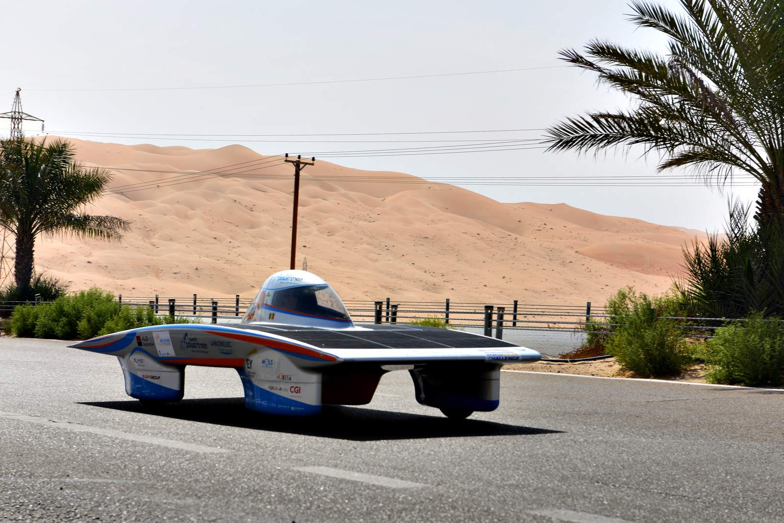 solar challenge10 Abu Dhabi Solar Challenge   Victory for Michigan University Team