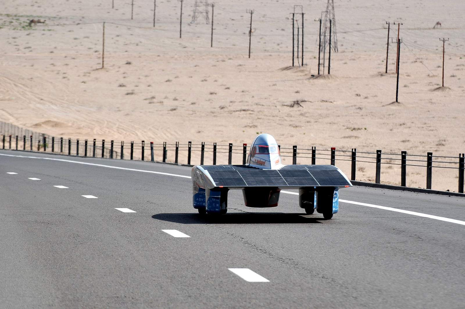 solar challenge9 Abu Dhabi Solar Challenge   Victory for Michigan University Team