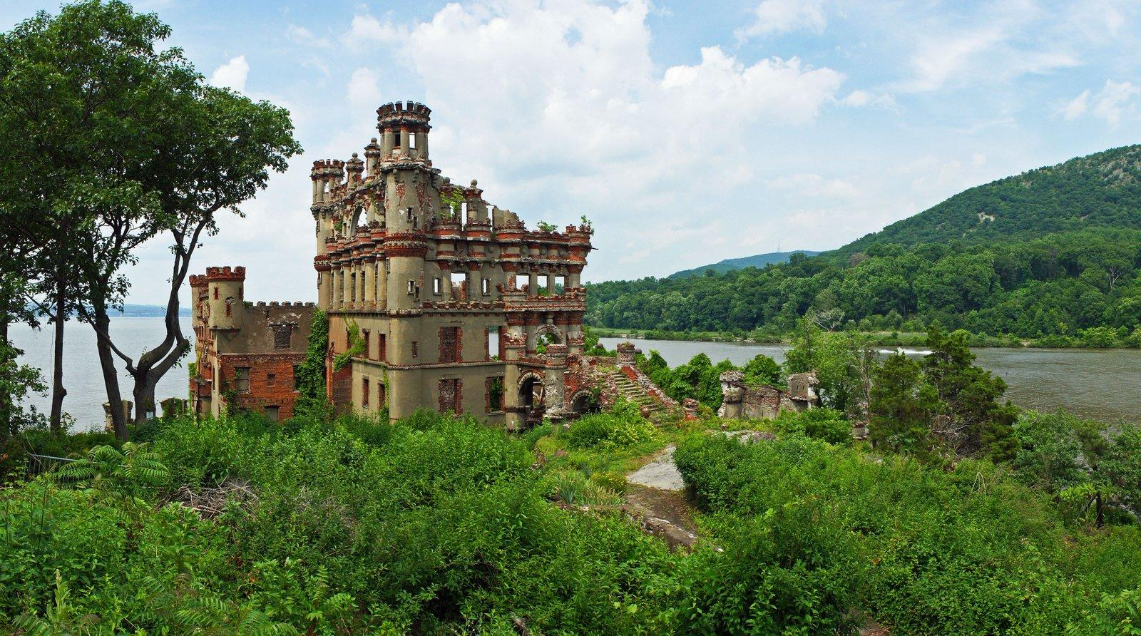 bannerman castle Collapsing Bannerman Castle on the Hudson River