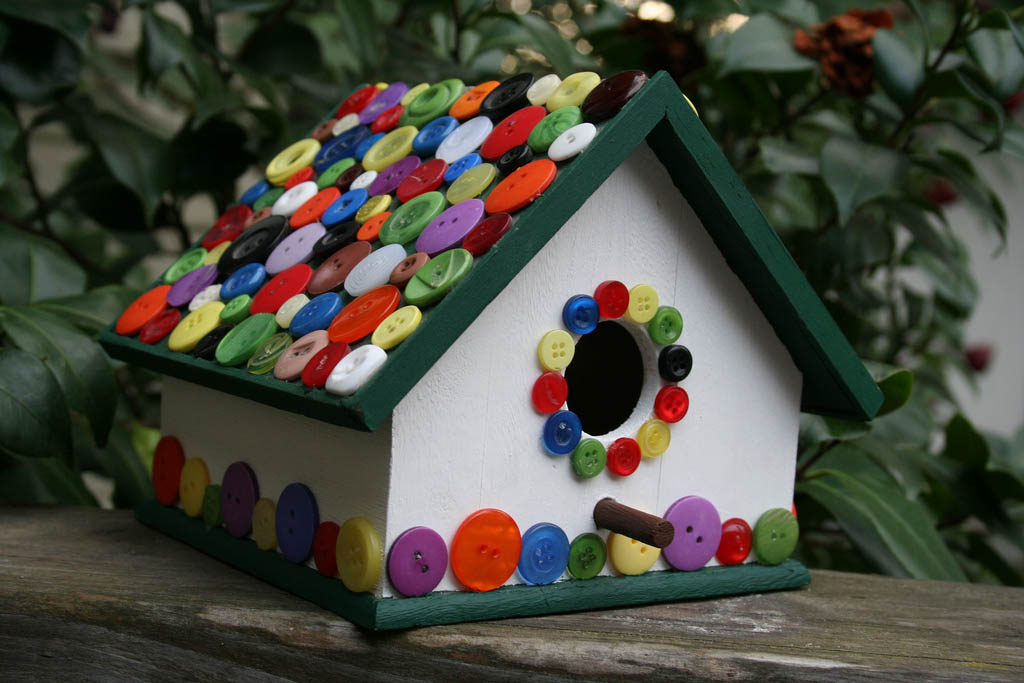 bird house14 Smarten Up Your Garden with Stylish Bird House