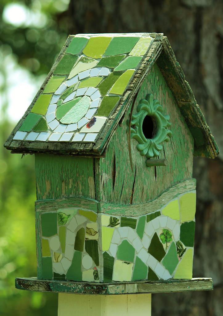 bird house2 Smarten Up Your Garden with Stylish Bird House