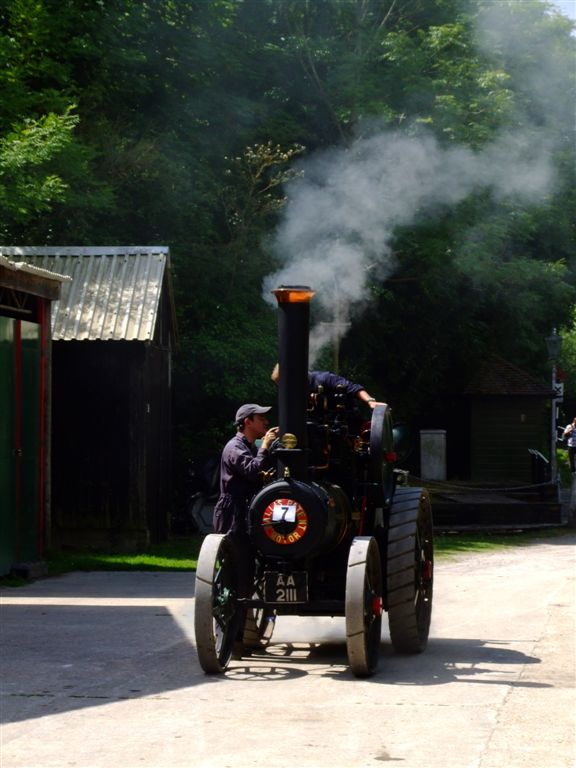 steam power13 Steam Powered Machines on The Road