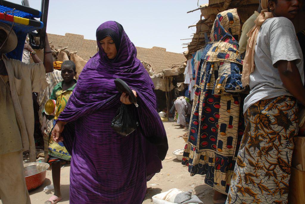 timbuktu10 Typical Street Scene in Timbuktu