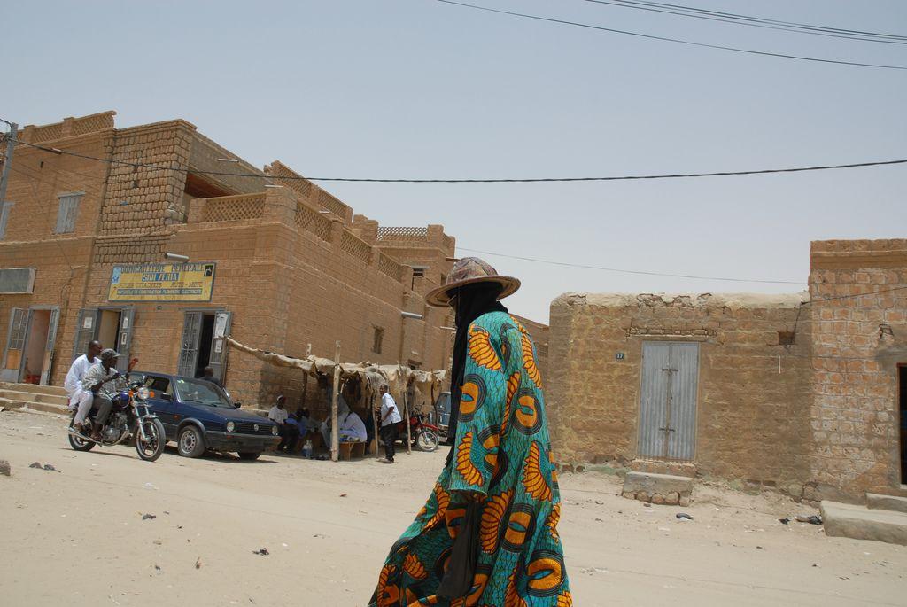 timbuktu5 Typical Street Scene in Timbuktu