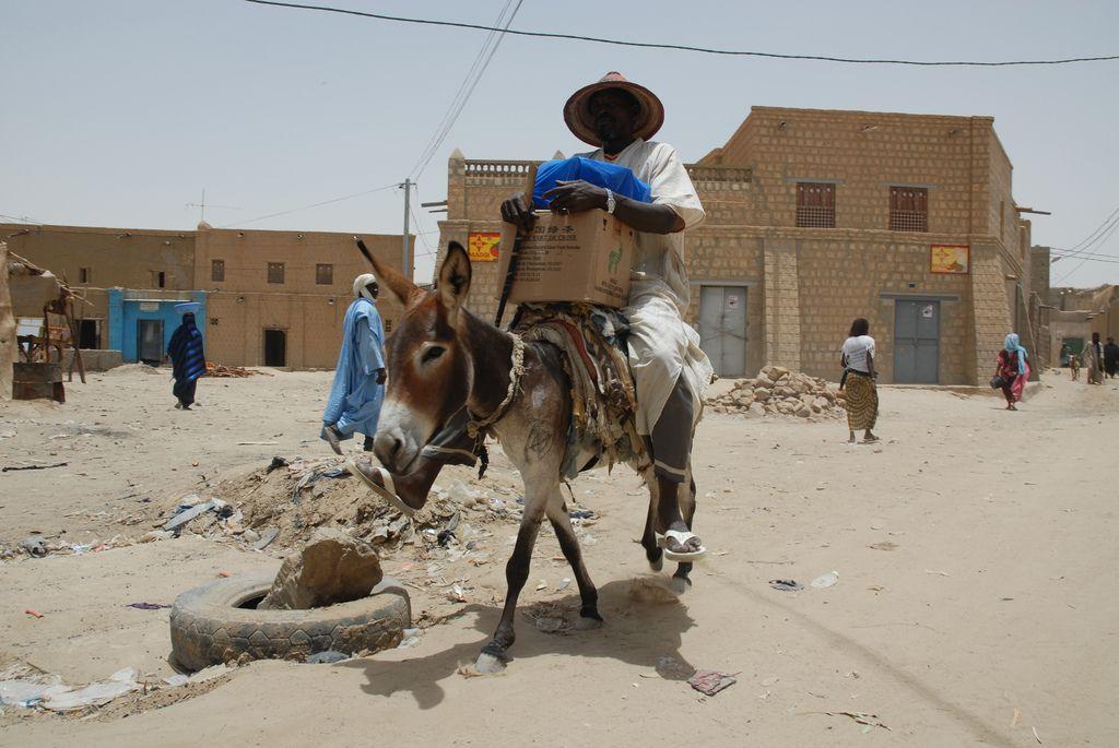 timbuktu7 Typical Street Scene in Timbuktu