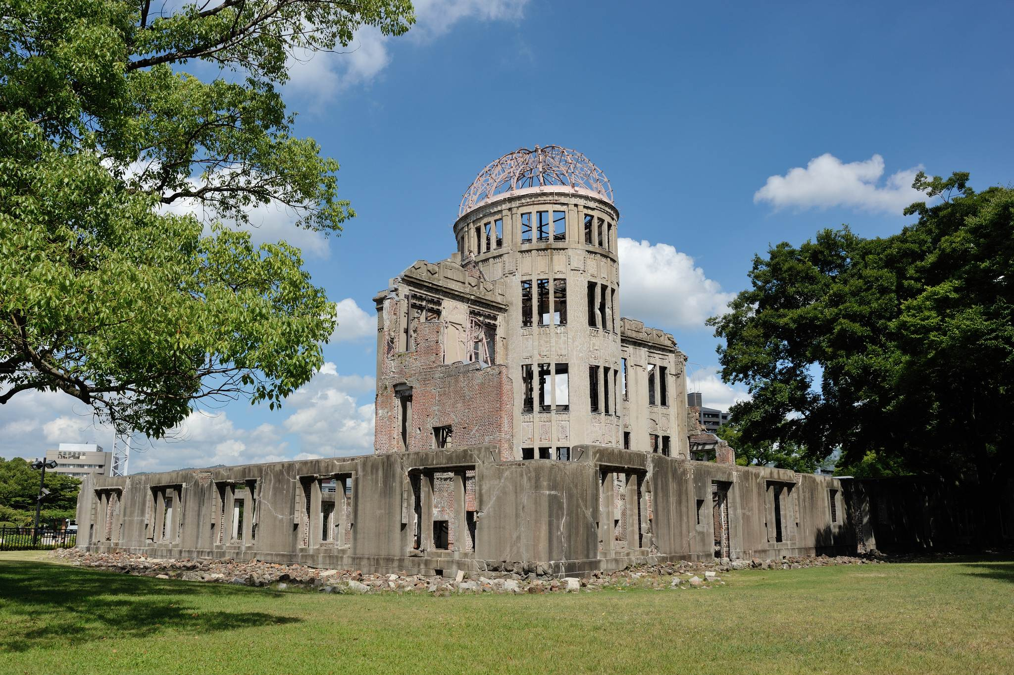 a bomb dome1 Walk around Genbaku Dome in Hiroshima