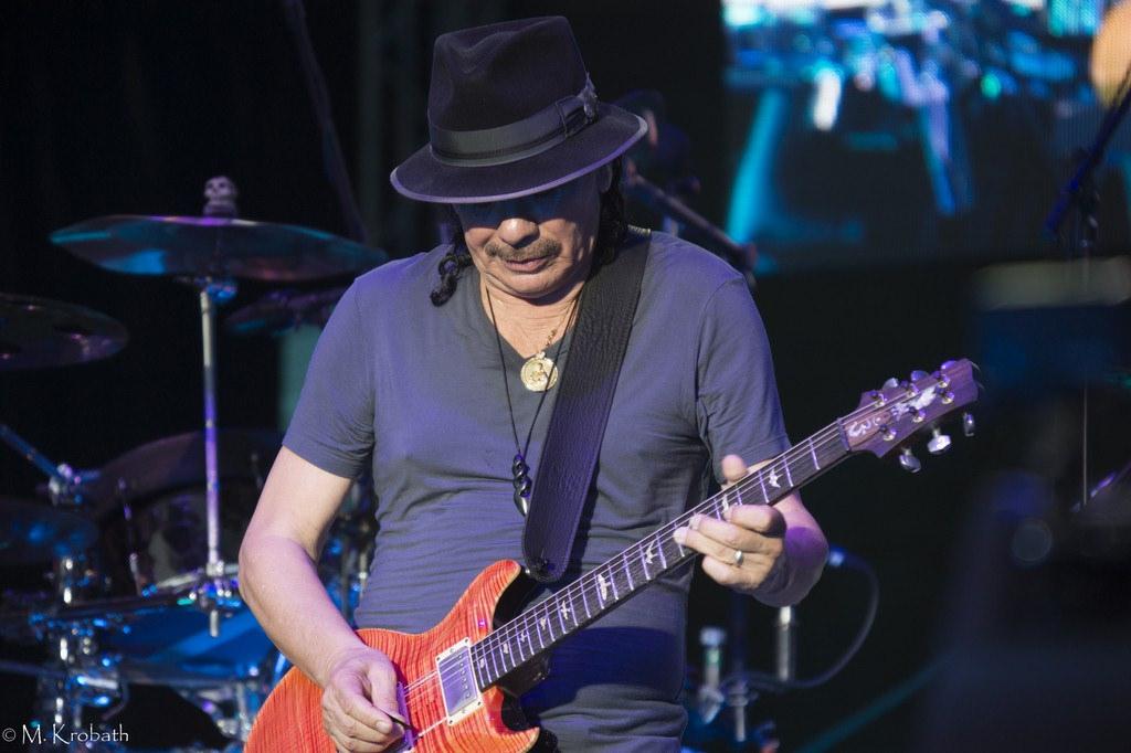 carlos santana7 Carlos Santana   Latin Rock Legend in Europe