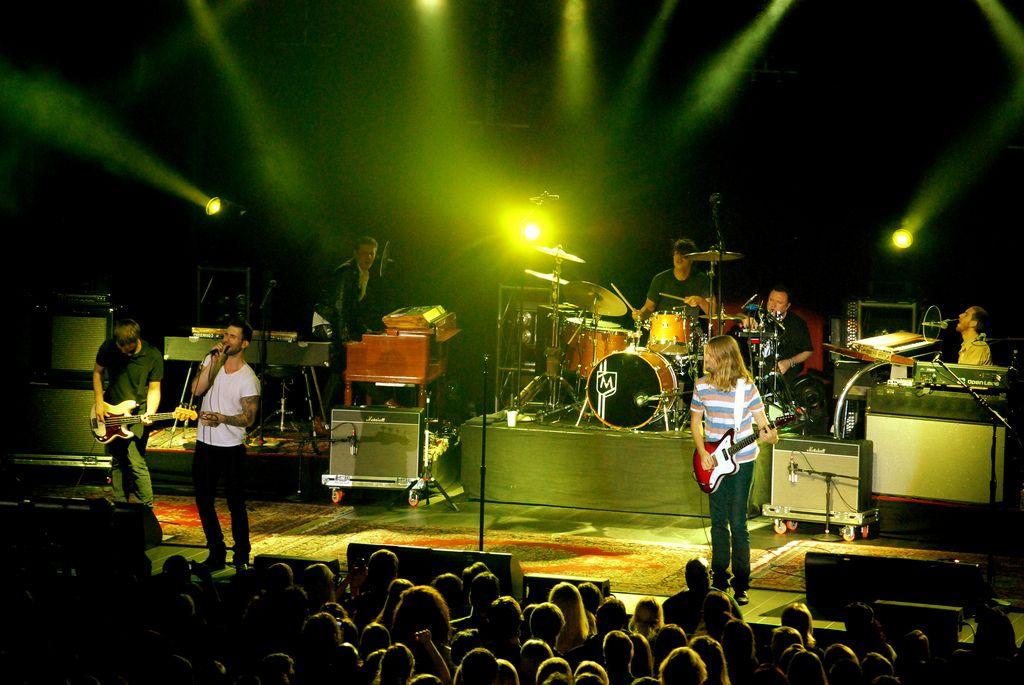 maroon 54 Maroon 5 Show