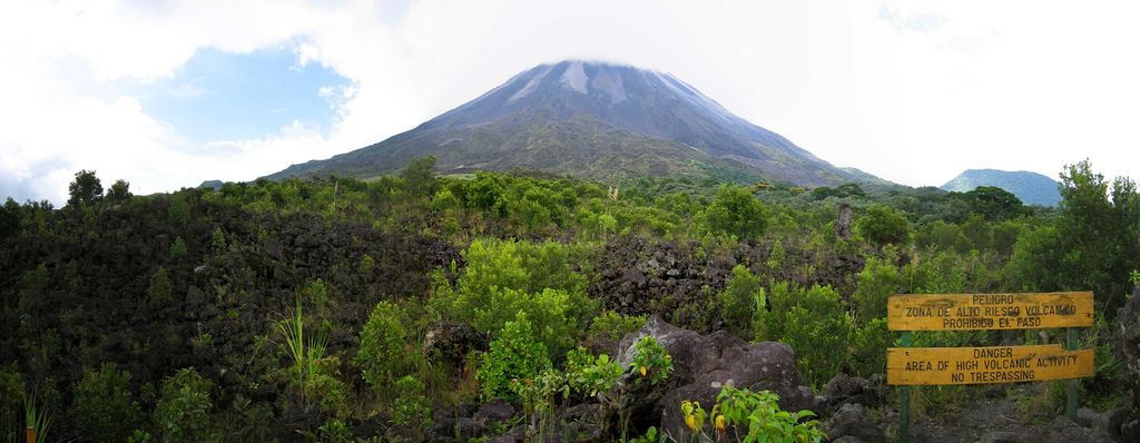 arenal volcano Arenal Volcano in Costa Rica