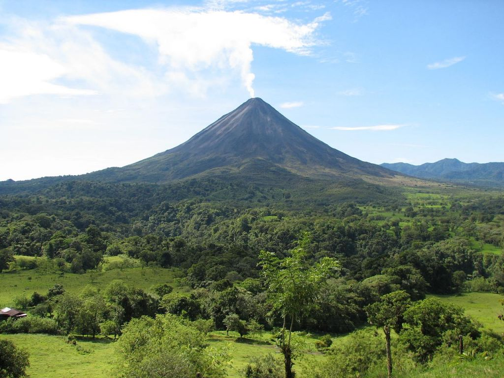 arenal volcano2 Arenal Volcano in Costa Rica