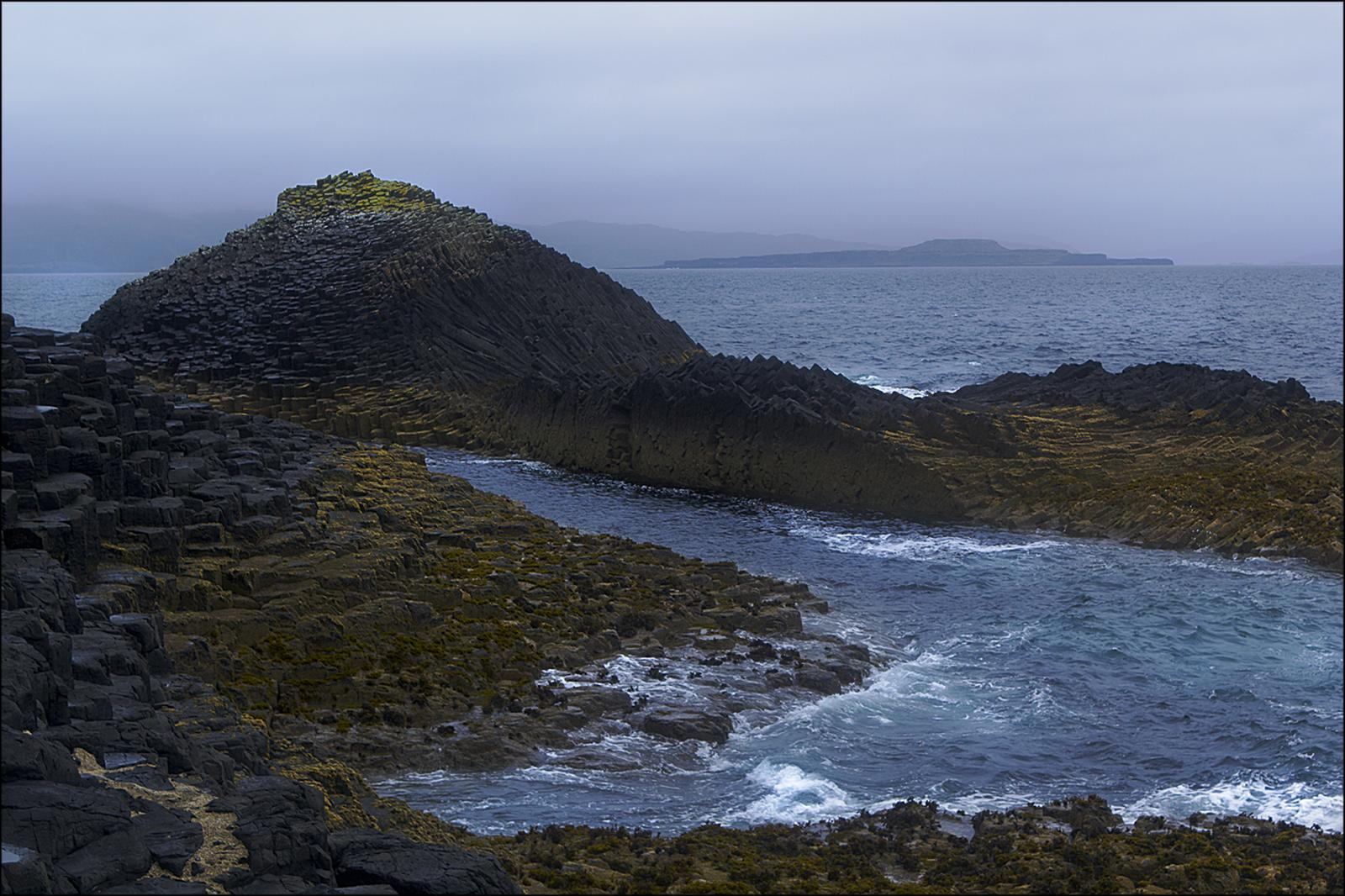 fingal7 Fingals Cave and Staffa Coast, Scotland