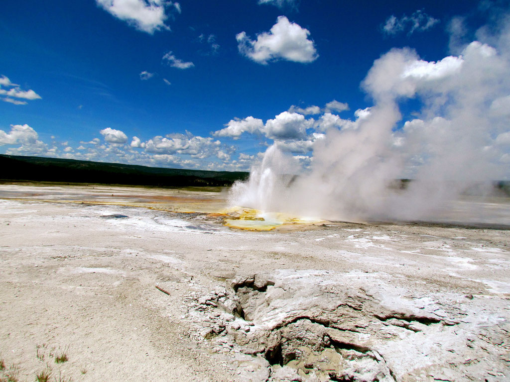yellowstone national park8 Great Pictures of Yellowstone National Park