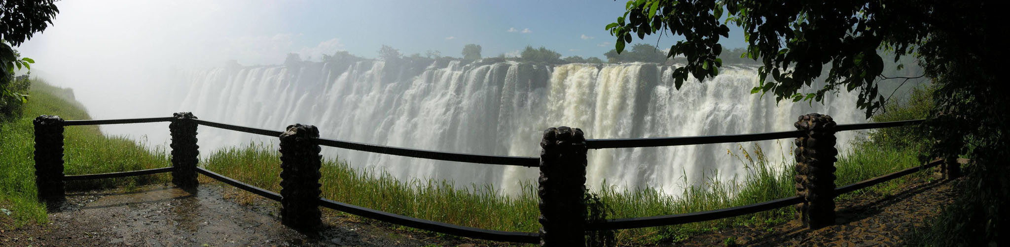victoria falls1 The Largest Waterfall in the World   Victoria Falls