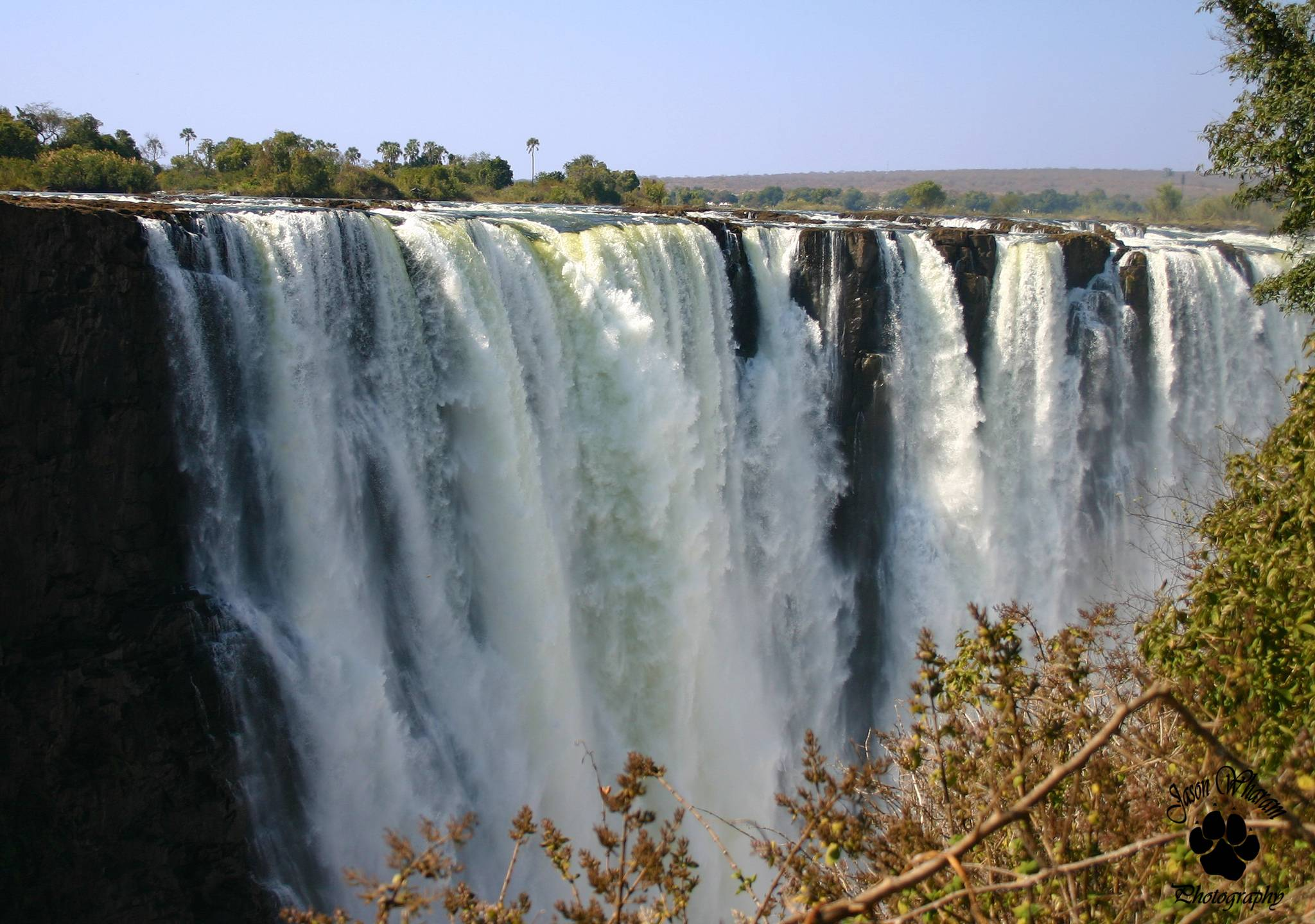 victoria falls4 The Largest Waterfall in the World   Victoria Falls
