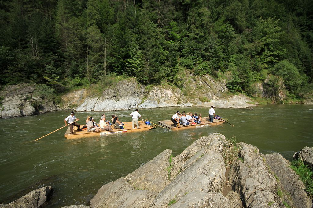 river rafting6 Rafting down the Dunajec Gorges