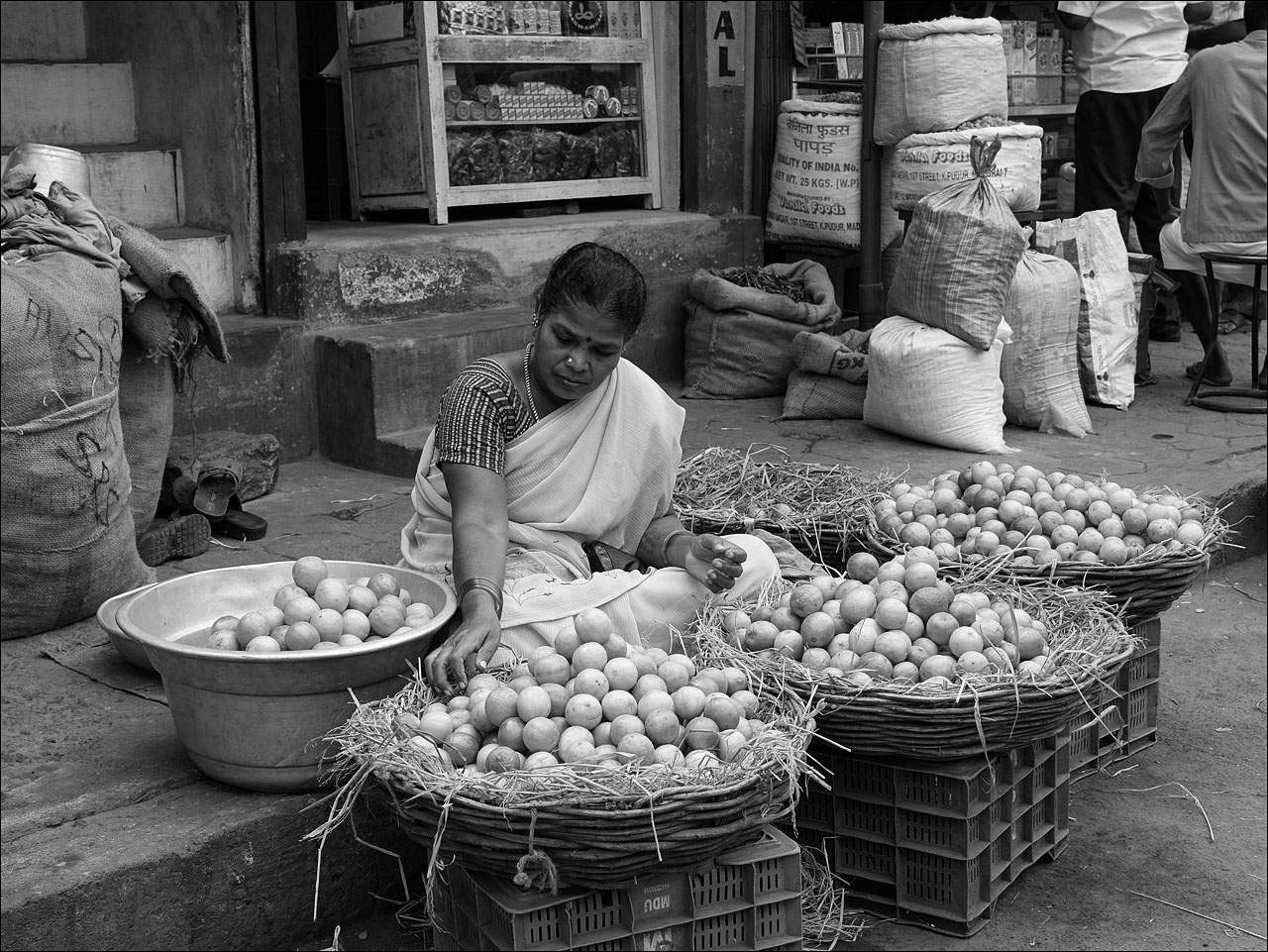 people india8 Daily Life of People in India   Black and White