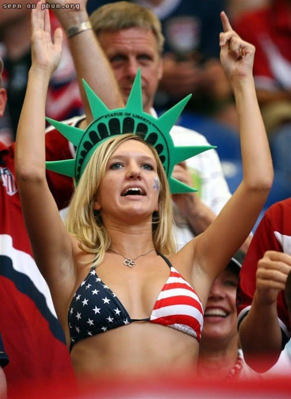3 Fans We Like to See at World Cup Stadium