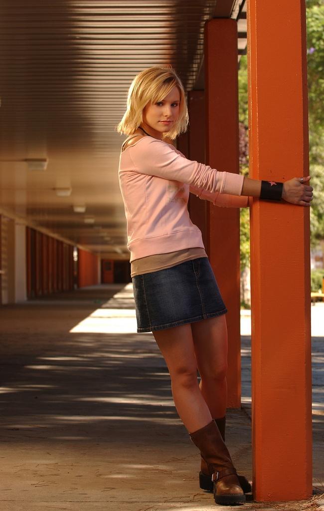 kirsten bell9 Kirsten Bell as Veronica Mars