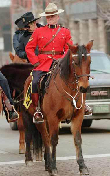 royal canadian mounted police4 The Royal Canadian Mounted Police (Mounties)
