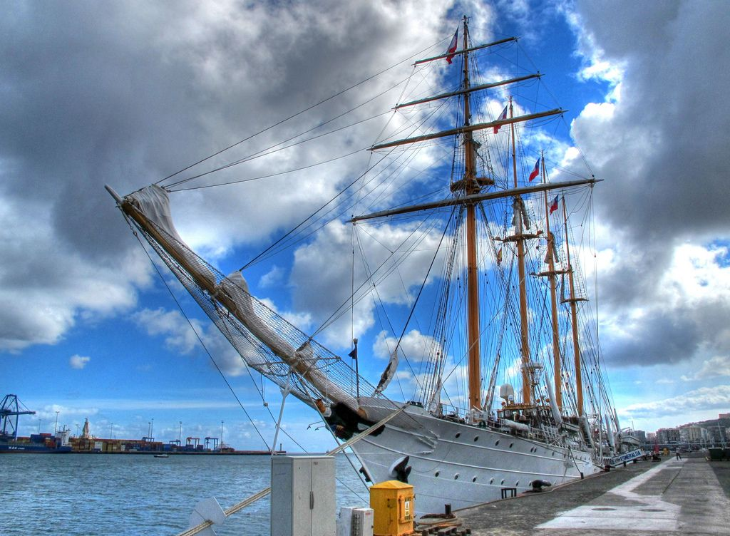 esmeralda14 Esmeralda   The Second Tallest and Longest Sailing Ship in the World
