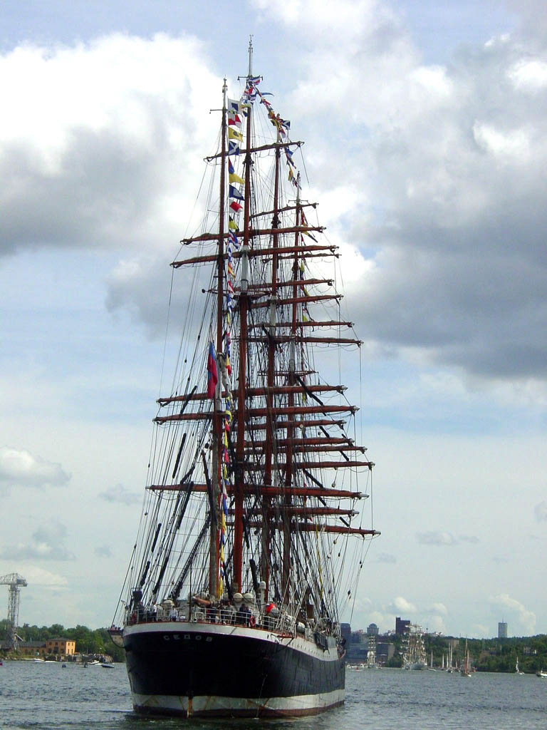 sedov10 Sedov   The Worlds Biggest Sailing Ship