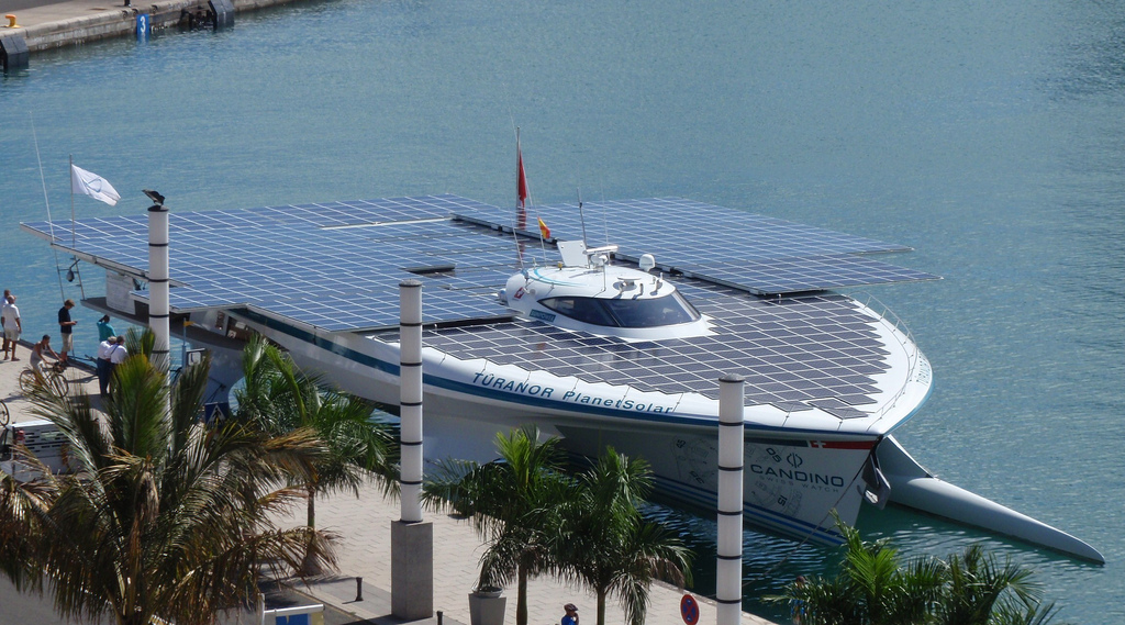 solar boat Turanor PlanetSolar   Largest Solar Powered Boat
