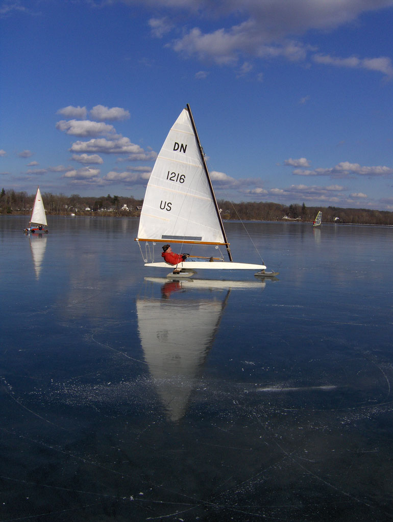 ice boat6 Yachting on a Lake with Ice Boats