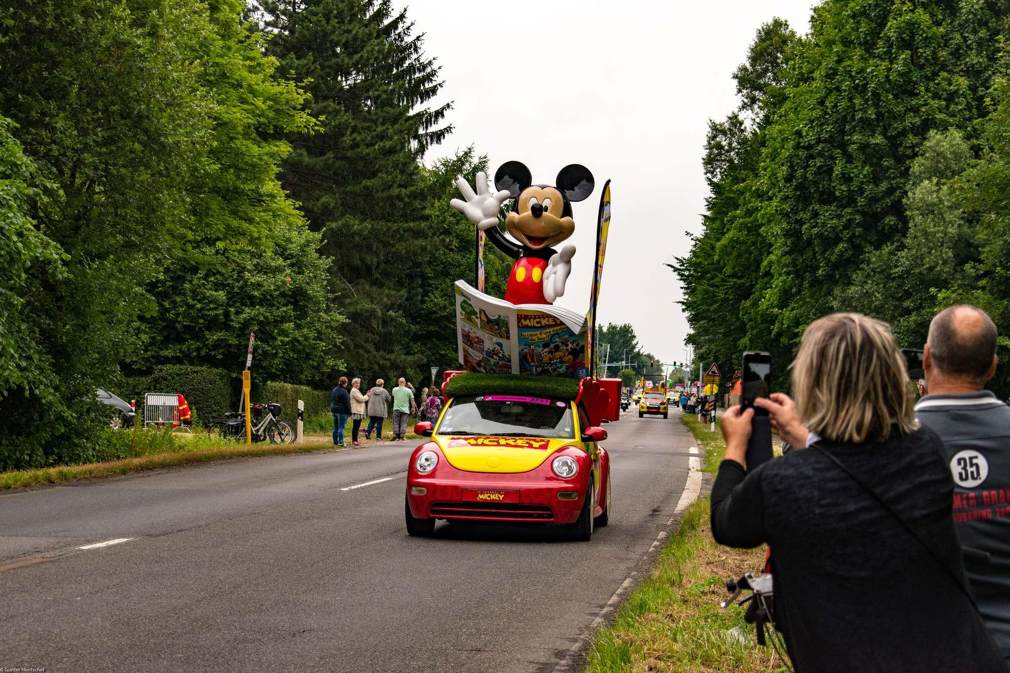 le tour3 Caravan Before the Start of the Tour de France   Dusseldorf