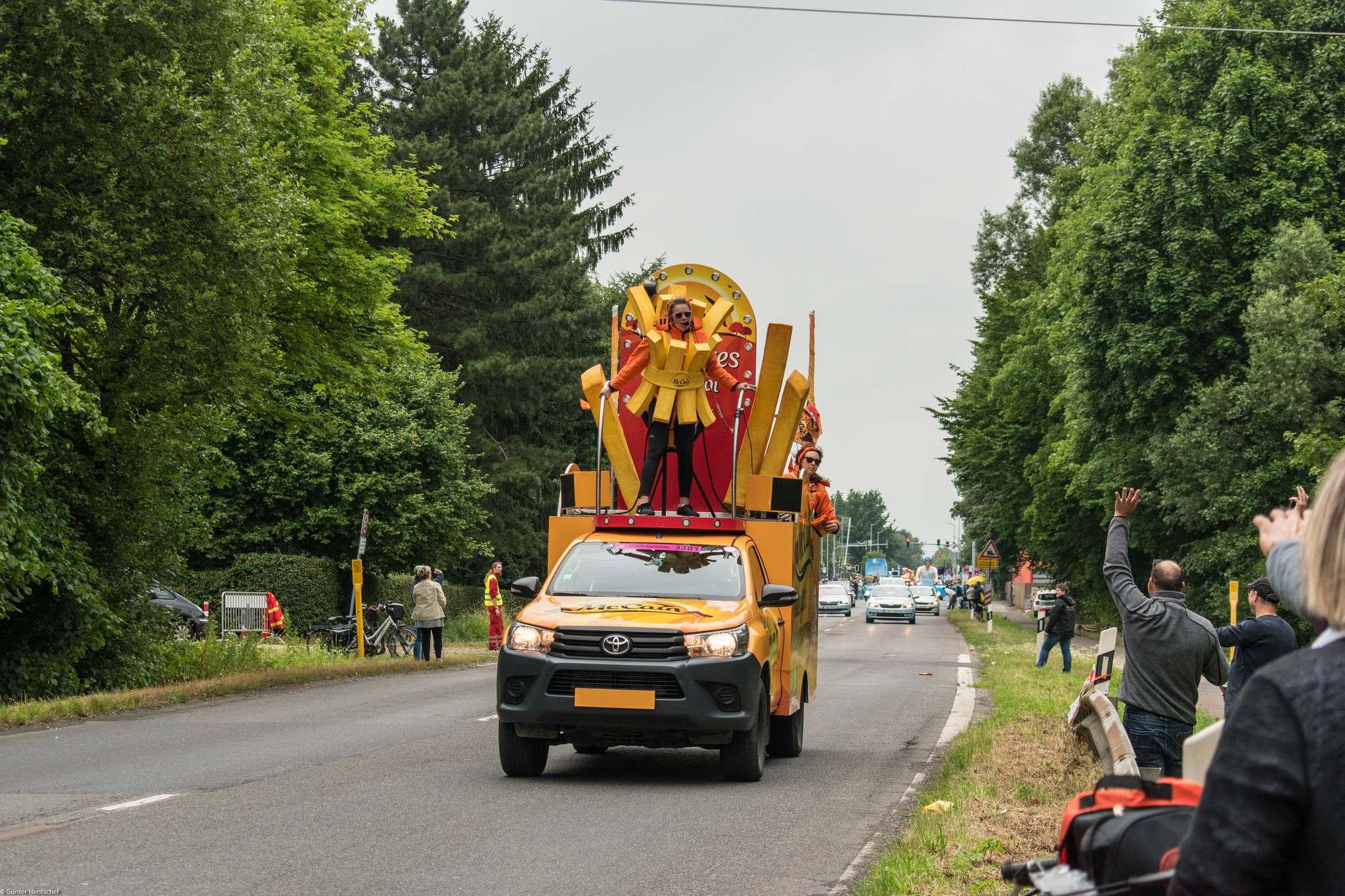 le tour9 Caravan Before the Start of the Tour de France   Dusseldorf