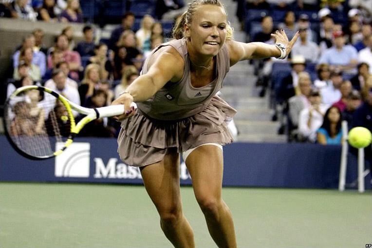 caroline wozniacki photos4 Caroline Wozniacki: No. 1 WTA Tennis Player