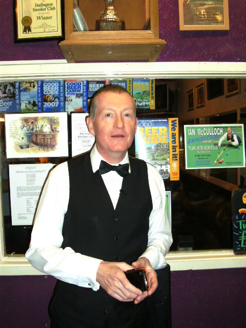 steve davis2 Snooker Legend Steve Davis at Crucible Theatre