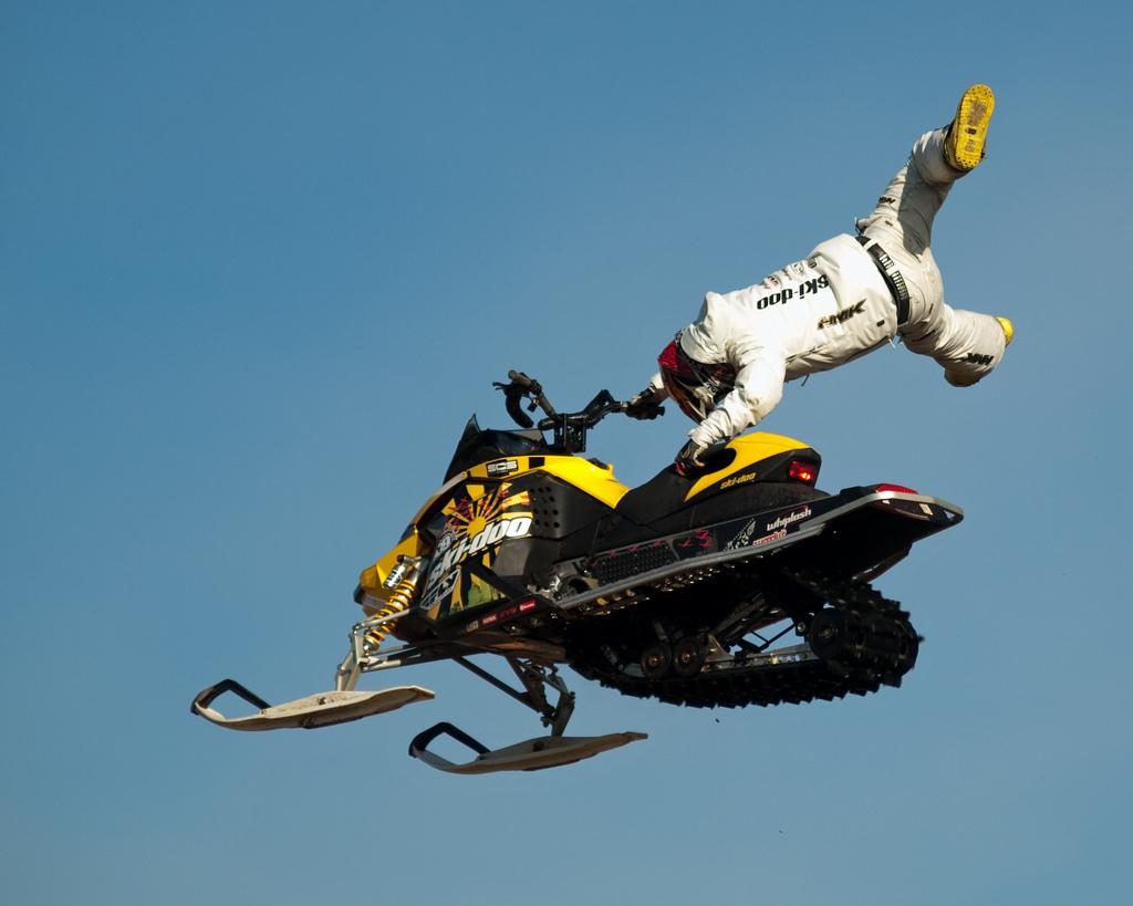 ski doo snowmobiles2 X treme Skidoo Show