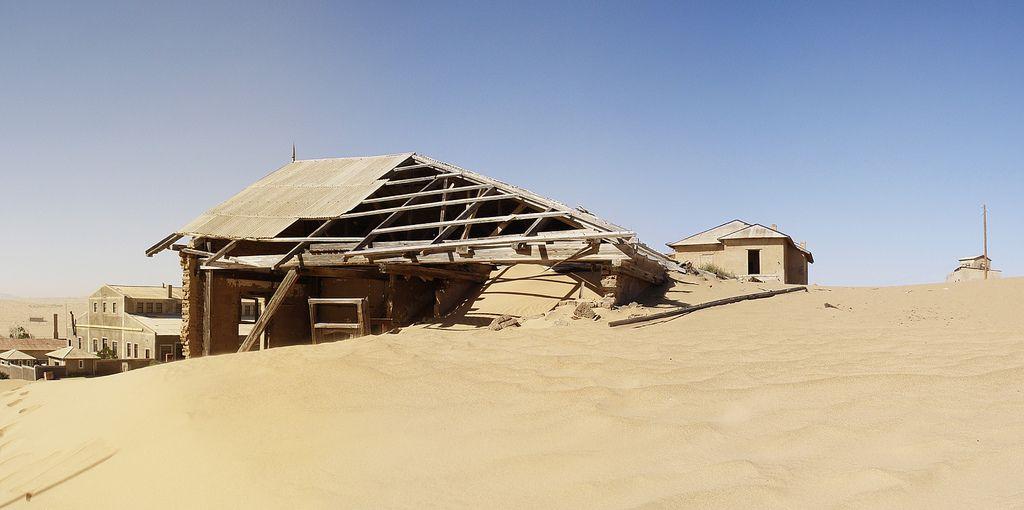 kolmanskop3 Abandoned Kolmanskop Ghost Town in Namibia